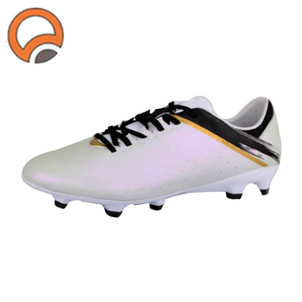soccer shoes supplier